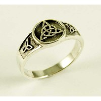 Silver Ring Triquetra